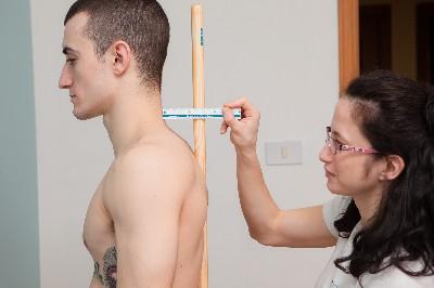 analisi posturale - controllo della curva fisiologica del collo